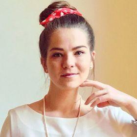 Selena | Retro-Sparks Blog 🌟