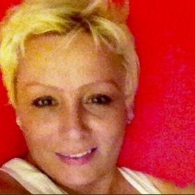 Blonde bombshell McKnight
