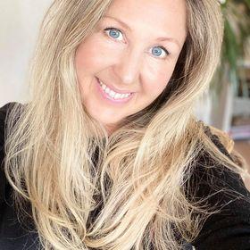 Lorraine Pannetier | Intuitive Copywriter