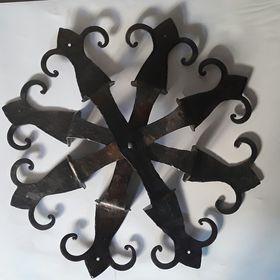 Anadora metal art