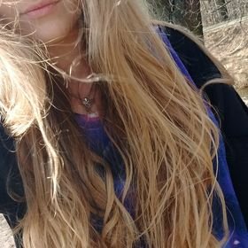 Crazy_Blonde :}