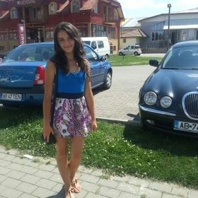 Roxana Caluser