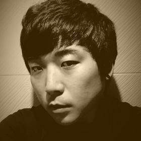 Hyun-woo Shin