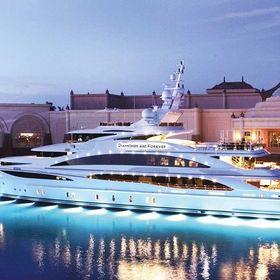 LuxuryYachts