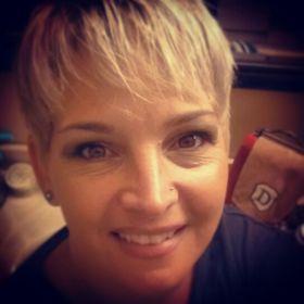 Julie DeWalt