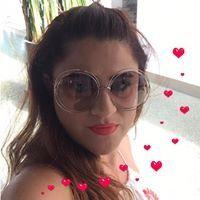 Yelda Karaderi Accesories