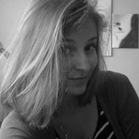 Evie Mikulecka