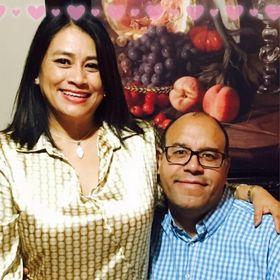 Hector Nuñez Y  Evelia