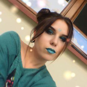 Olga Sulipa Makeup