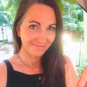 Vanessa Dewsbury •  Reiki Master Spiritual Coach
