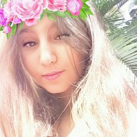 Thayná Alves