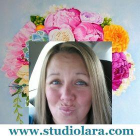 artist Lara Harris