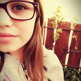 AngieAnne Kiss