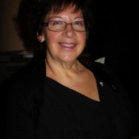 Lucie Boucher Avon