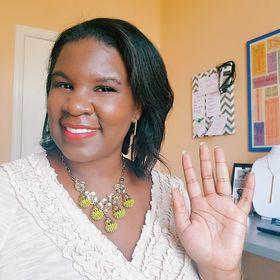Ashli White - Women's Jewelry + Accessories Style Blogger