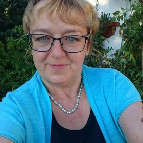 Annemarie Ross