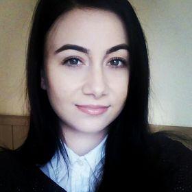 Carla Elena P