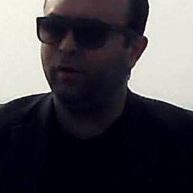 Laçin Özbek