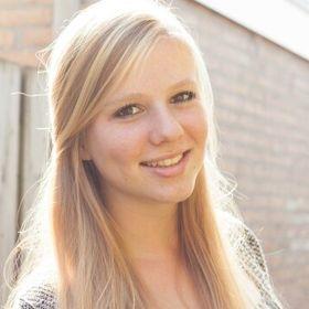 Michelle Bakker