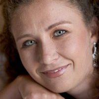 Rosalyn van Zyl