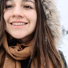 Alina Alejandra Benavides