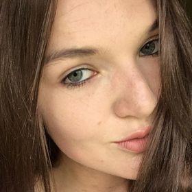 Nadine Hollis-Turner