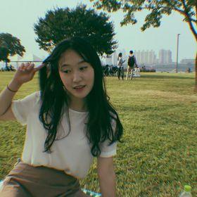 Yujin Lee