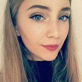 Julia Roxana