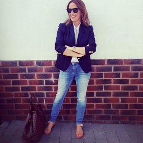 Annmarie @fashionmumof40
