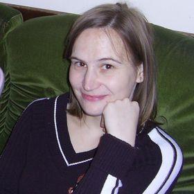 Szilvia Enyingi