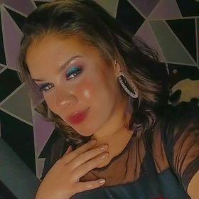 Ana Carol Ribeiro