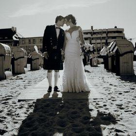 Die Fotovideografin- Hochzeiten, Pärchen & Familien- Fotograf & Videograf