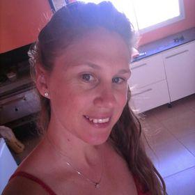 Aline De