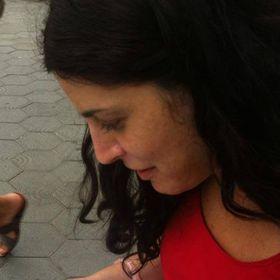 Laura Abella