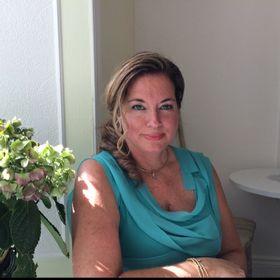 Julie Carrier