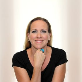 Jane McKay | Creating Engaging Digital Brands Without the Tech Overwhelm