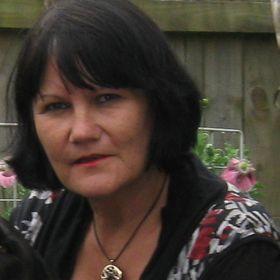 Lynne Bray