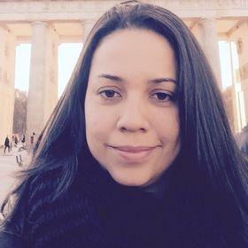 Juliana Barcellos (Digital Entrepreneur)