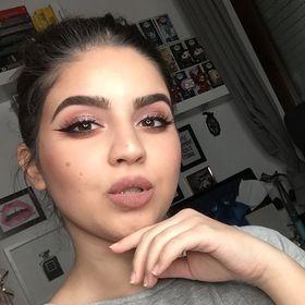 BlushingErika   Beauty Blogger