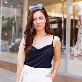 The Brunette Nomad   Fashion Blogger