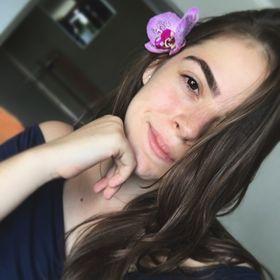 Lara Fernandes Cunha