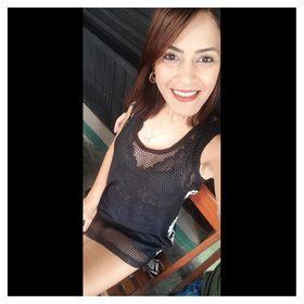 Alline Pereira