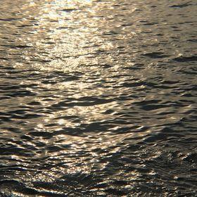 """""""The Waves"""" lookbook"""