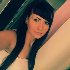 Lilia Nina