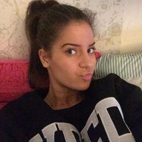 Yasmine Lafi Poor