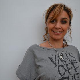 Laura DELVAS
