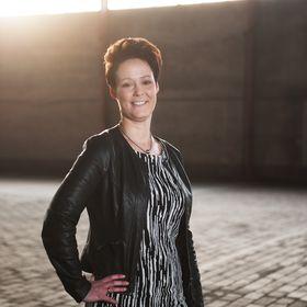 Anita Holthuis (AnitaHvL)