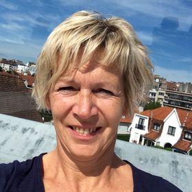 Ingeborg Van Facebook, Twitter & MySpace on PeekYou