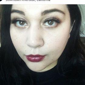 Tianna | Green Beauty + Lifestyle Blogger