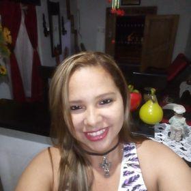Astry Araujo